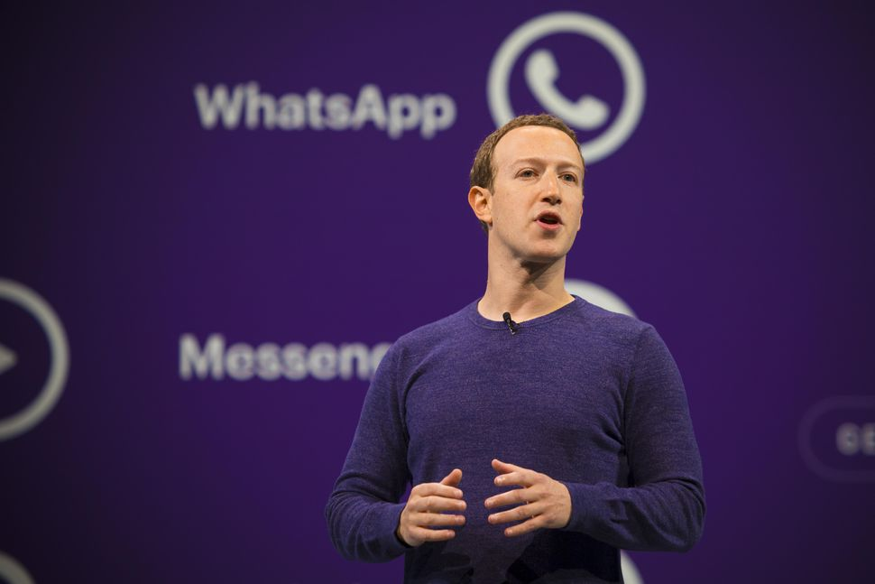 facebook-f8-mark-zuckerberg-2018-0274